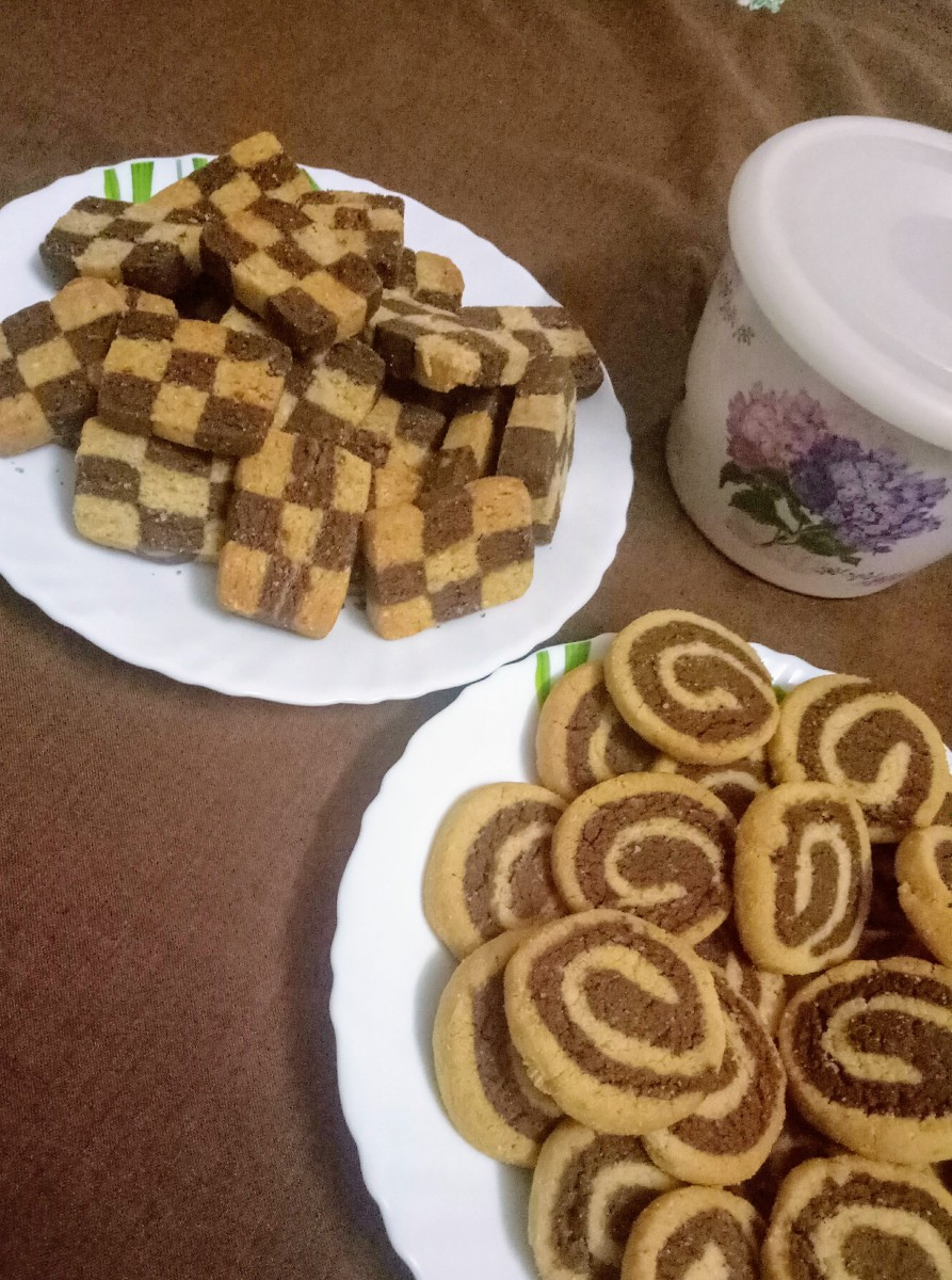 Checkerboard and Pinwheel cookies in Almond and Chocolate Flavor with 100% whole wheat flour