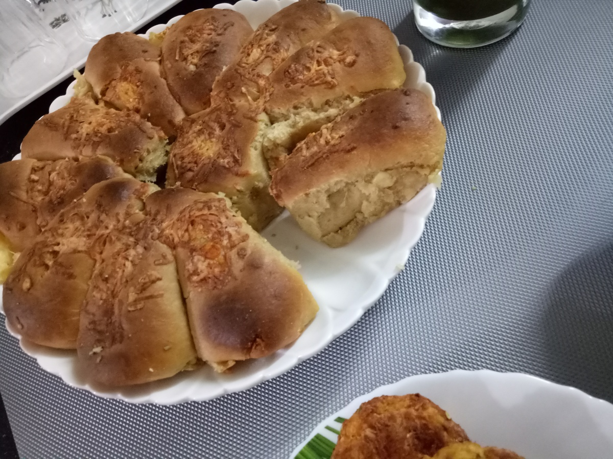 Cheese Stuffed Whole Wheat Dinner Rolls