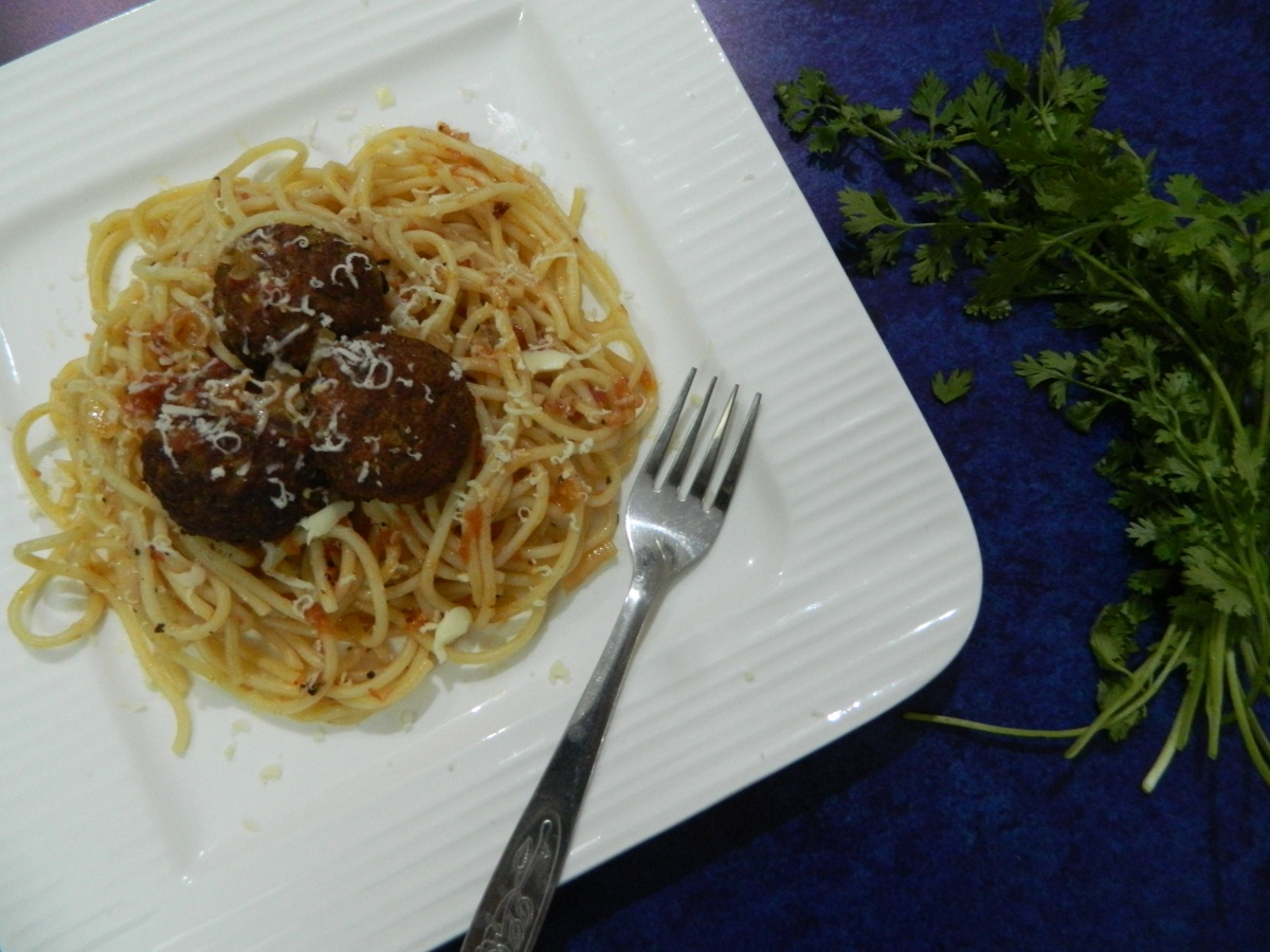 Spaghetti with Vegan Lentil Meat Balls